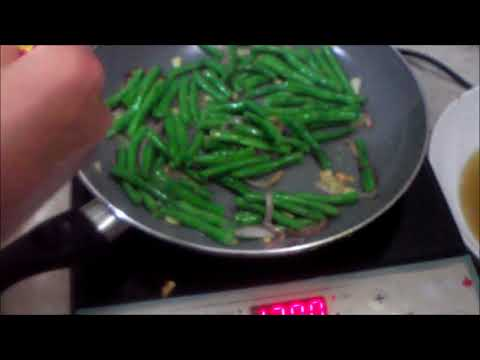 Fried Fish And Vegetables Using Oyster Sauce