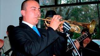 Marc Anthony / No Me Conoces. Novio se luce con la trompeta. Espectacular!!