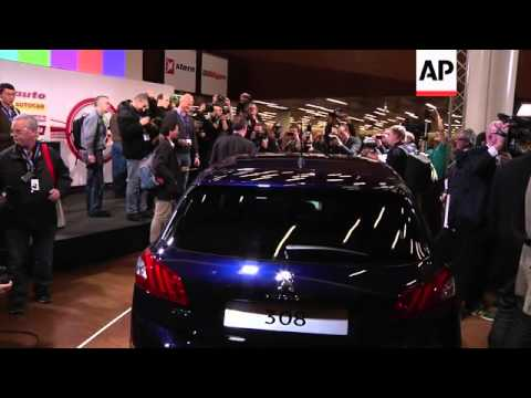 Peugeot 308 wins car of the year