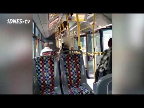 Napadení Cestující V Trolejbuse