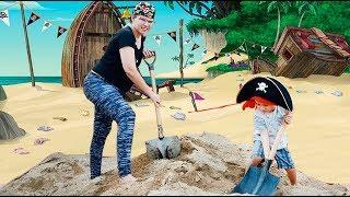 Mãe e Filho brincando de Piratas do Caribe O TESOURO