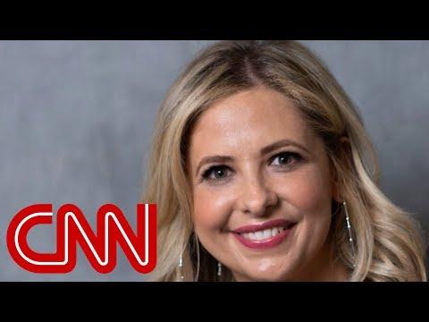 Sarah Michelle Gellar apologizes for Thanksgiving lingerie post