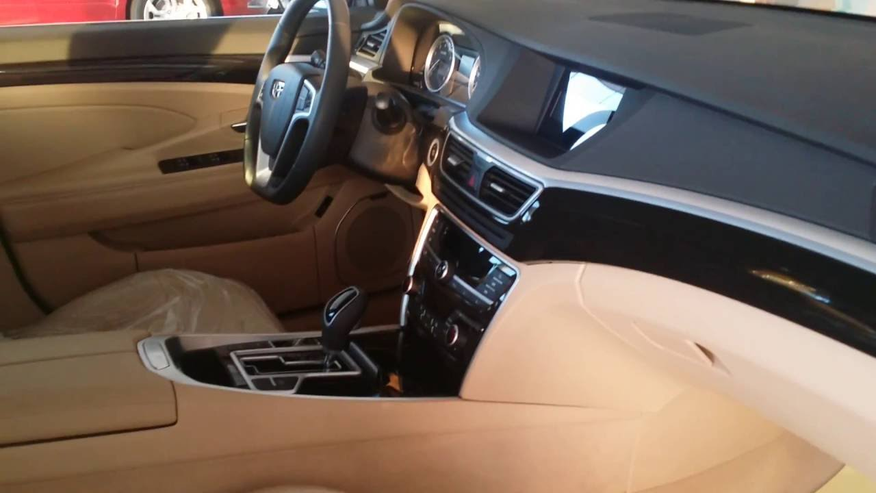 Для 1,8-литровых «эмграндов» в комплектации luxury вместо «механики» предлагается бесступенчатый вариатор за доплату 30 тысяч рублей. ◾ подробные цены и комплектации автомобиля geely emgrand 7. Краткая справка об автомобиле. Geely emgrand ec7 для российского рынка выпускался с июня.