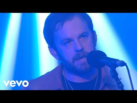 Kings Of Leon – Hands To Myself (Selena Gomez cover) in the Live Lounge