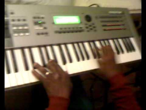 Mike yelverton Playing Crazy Chords
