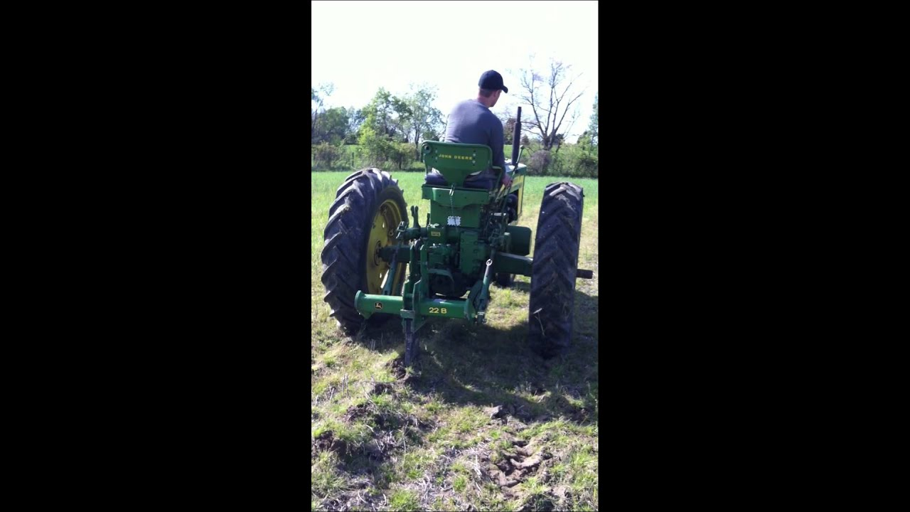 John Deere 520 Subsoiling