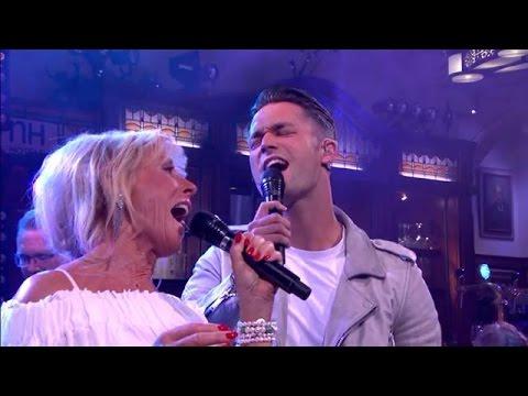 Jan Kooijman en Joke Bruijs – Up Where We Belong - RTL LATE NIGHT