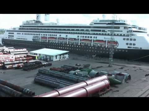 Action port! Time-lapse St Petersburg, Russia.