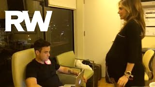 Robbie Williams | The Baby Arrives