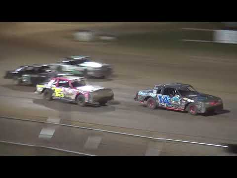IMCA Hobby Stock feature Independence Motor Speedway 8/18/18