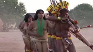 Indigenas do Brasil TAQUARA KUIKURO fazendo festa tradicional 18\10\2018