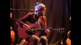 Neil Halstead - Digging Shelters (Live @ Cecil Sharp House, London, 24/10/13)