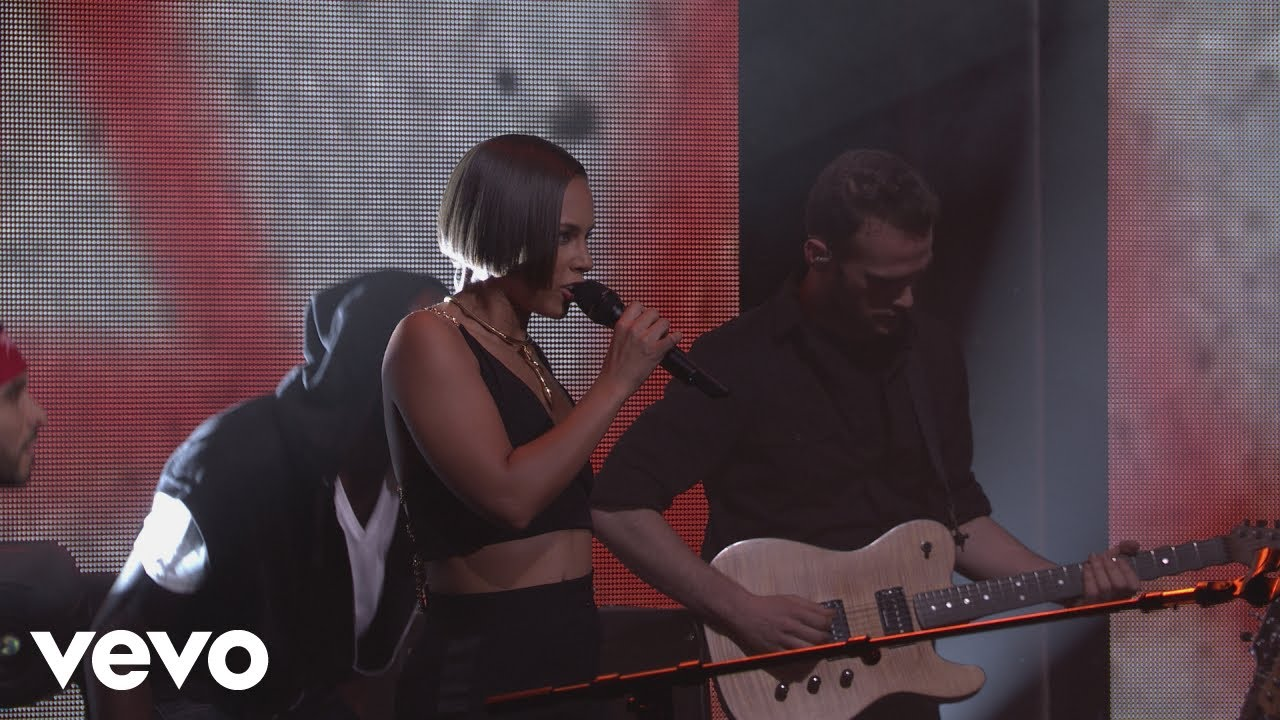 Download Alicia Keys - New Day (Live from iTunes Festival, London, 2012)