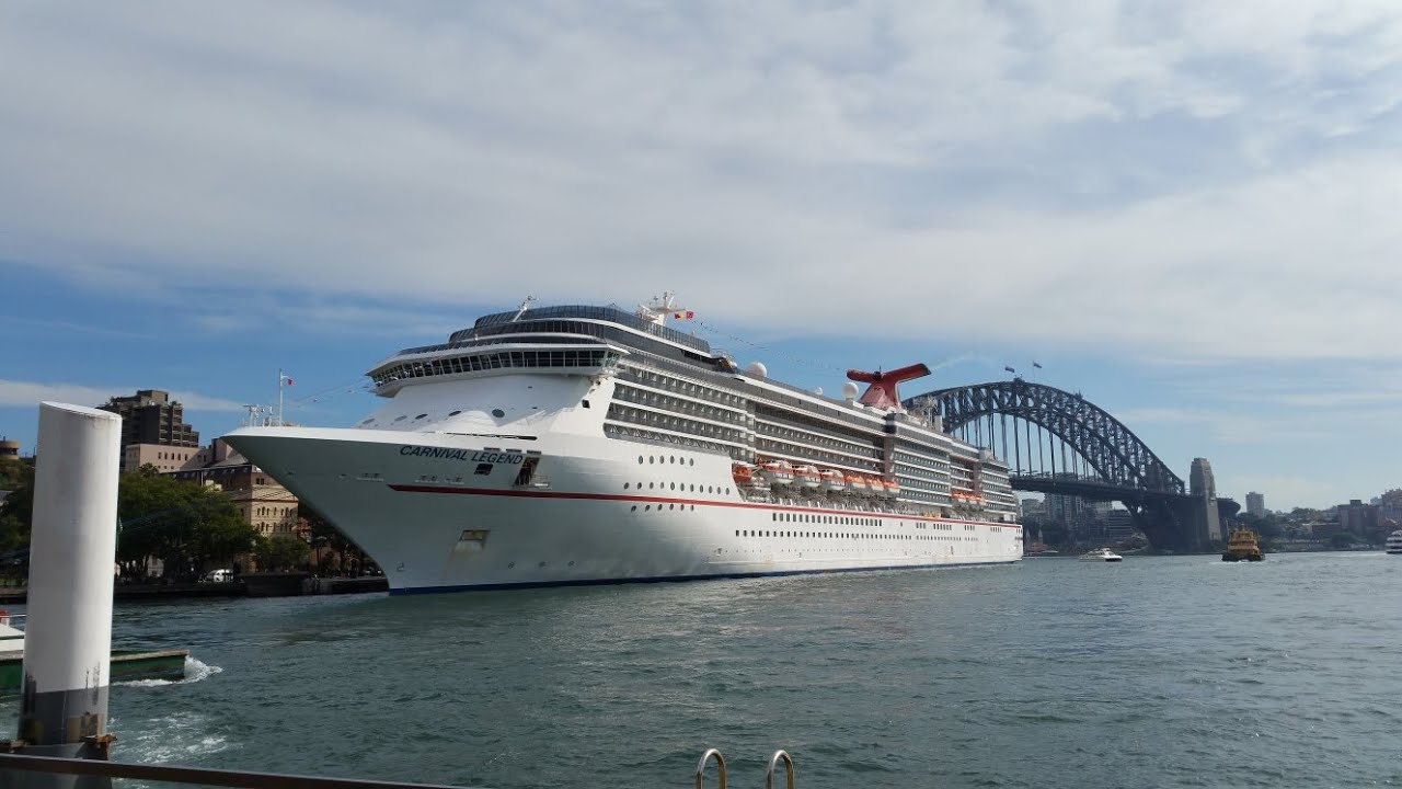 Circular Quay Ferry Terminal - Sydney Harbour Bridge ...