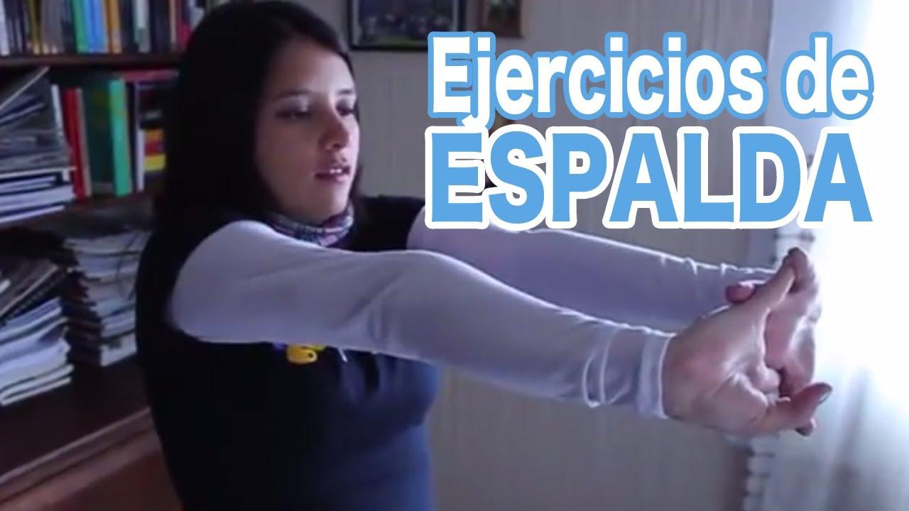 120segundos ejercicios para evitar el dolor de espalda en for Ejercicios en la oficina