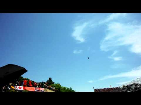 F18 FIGHTER JET SURPRISE - GRAND PRIX MONTREAL 2012