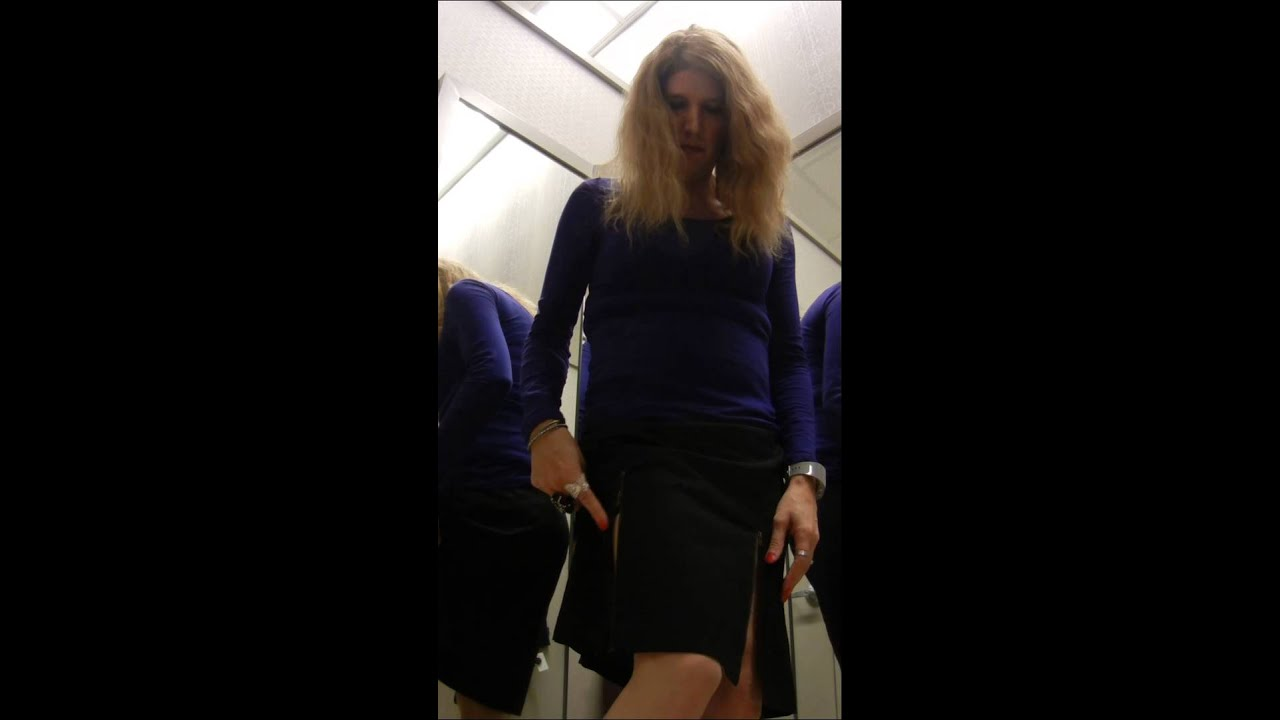 Transvestites in vs fitting room