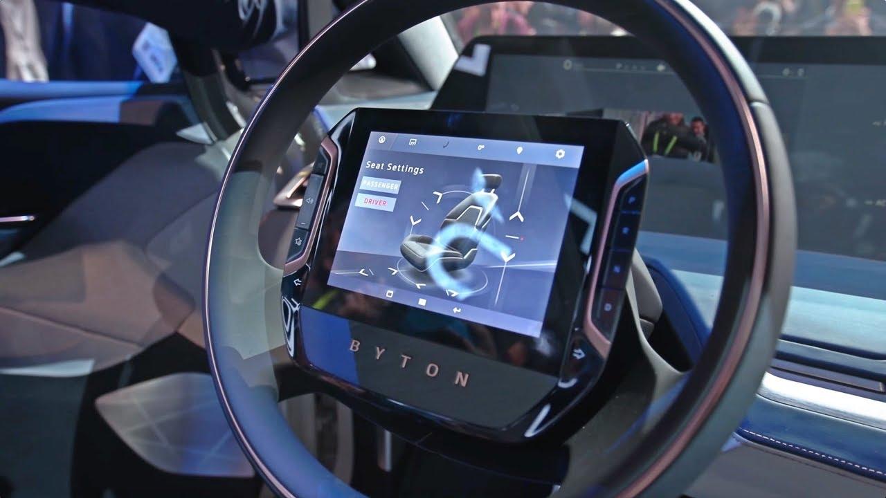 CES 2018 #1 czyli samochód przyszłości, gadanie przez palec i maszyna składająca ubrania