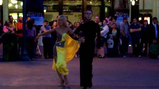 Dancers dancing to Latin Dance Samba [HD] in Downtown Disney Anaheim, CA
