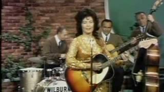 Loretta Lynn - Get What 'cha Got And Go