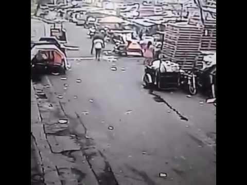 CAUGHT IN AKSYON: Pamamaril sa isang babae sa Port Area, Manila, sapul sa CCTV