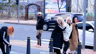 mamamoo being a mess during a fanmeet