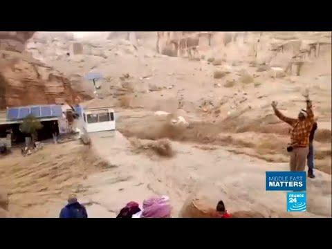 Jordan: Ancient city of Petra hit by rare flash floods