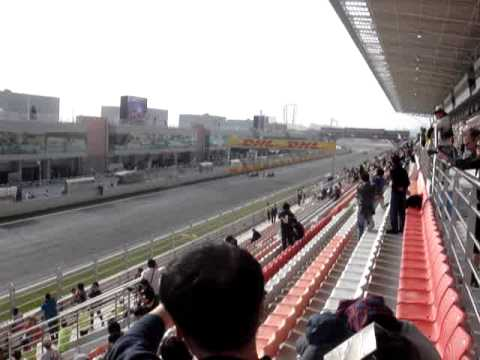 Formula-1 2010 Korean GP 1st corner HRT and Renault