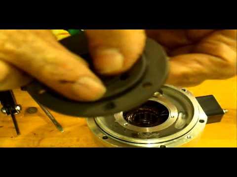 replacing bearings in a turbomolecular vacuum pump