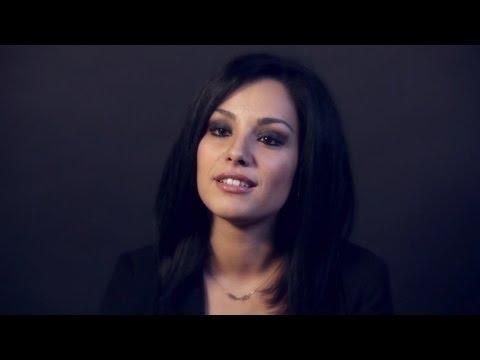 Sarah riani 39 intouchable 39 clip officiel doovi - Soprano kenza farah coup de coeur parole ...