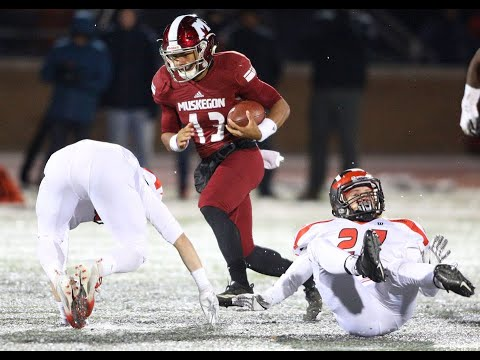 Cameron Martinez braves cold, breaks Muskegon's single-season rushing record
