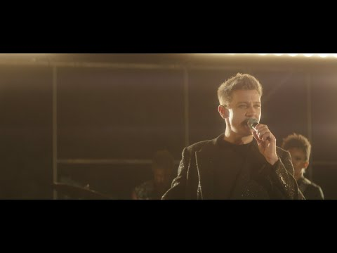 Jim Show - Jeremy Renner - Hawkeye, is Now A Singer!