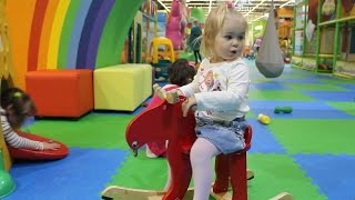 Детский Развлекательный Центр с Горками и Батутами  Kids intertainment center.Kids playgraund(, 2016-02-27T16:20:19.000Z)