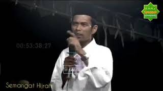 Download Video Uas menangis mengenang sosok ibu MP3 3GP MP4