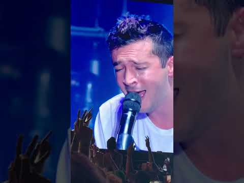 Off The Air: Johnny - Watch Twenty One Pilots cover Oasis!