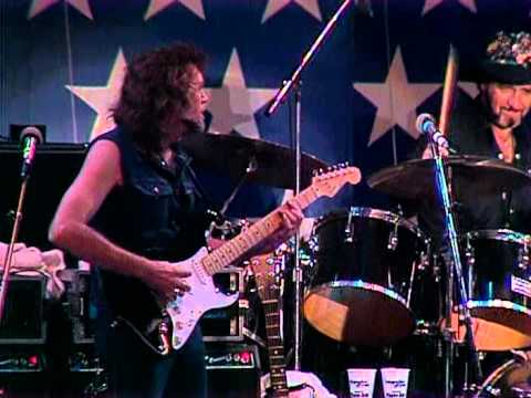 Willie Nelson - Uncloudy Day (Live at Farm Aid 1986)