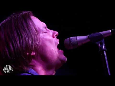 Jonny Lang  Signs Recorded  for World Cafe