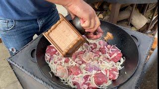 Блюдо которое покорит всех, мясо По-кремлевски в казане на костре рецепт