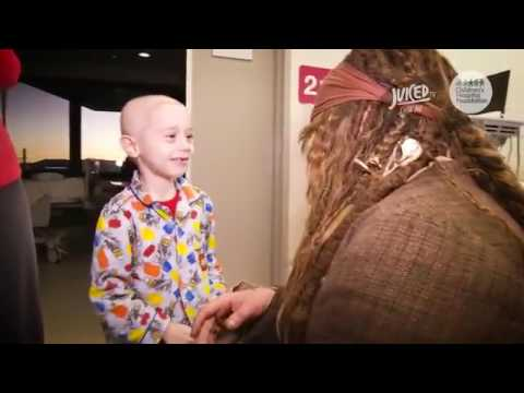 Johnny Depp visited sick children in the form of captain Jack Sparrow