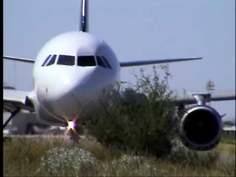 Volaris Airbus 319 Aterrizando y Despegando - YouTube