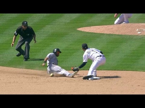 CWS@DET: Salty catches Eaton stealing second base