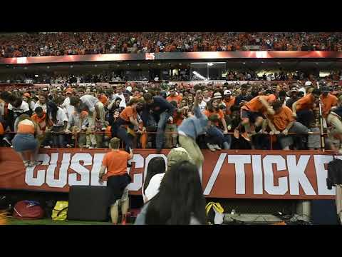 Syracuse beats Clemson and students rush the field