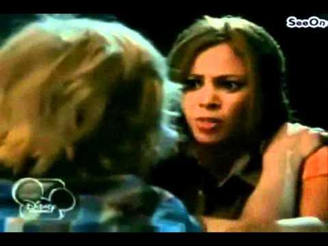 My babysitter's a vampire (Sarah) - hero in me.wmv