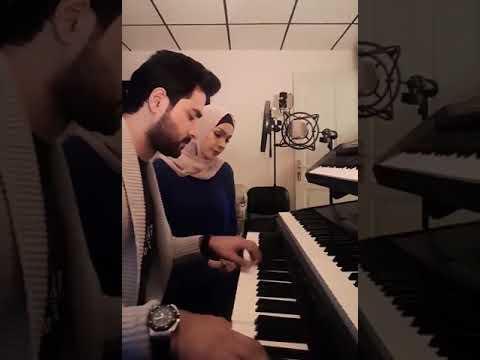 الفنانة أمل حجازي تمدح النبي عليه السلام