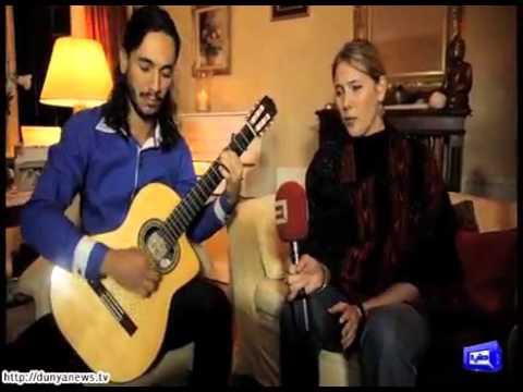 Tanya wells beautifully sings Urdu songs