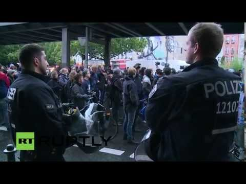 LIVE Protest in Berlin in solidarity with the refugees in Kreuzberg
