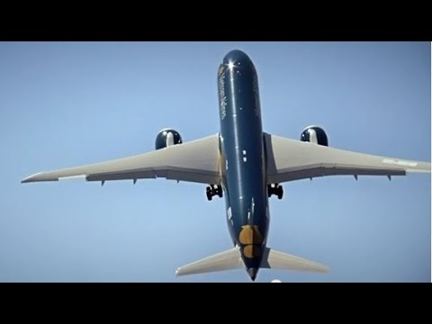 Making of - Boeing 787-9 Dreamliner flying display