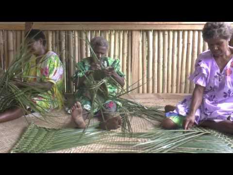 Weaving coconut fronds / wivim lif kokonas (Vao, Malakula, Vanuatu)
