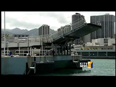 Hawaii's Superferry up for auction