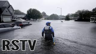 Los equipos de emergencia lanzan la cuerda de salvamento a la aislada Wilmington